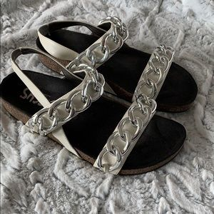 Chunky Link Sandals